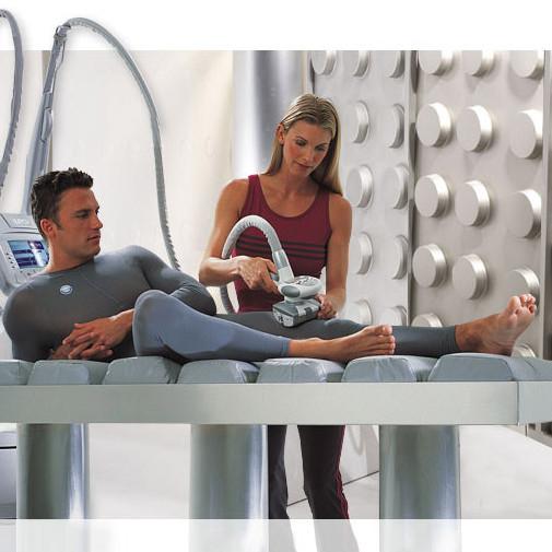 Expert Liposculpting Lipomassage for men